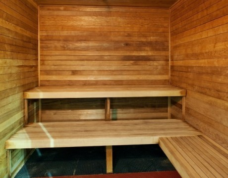 Holiday Inn Express and Suites MH - Hit the sauna at the Holiday Inn Express