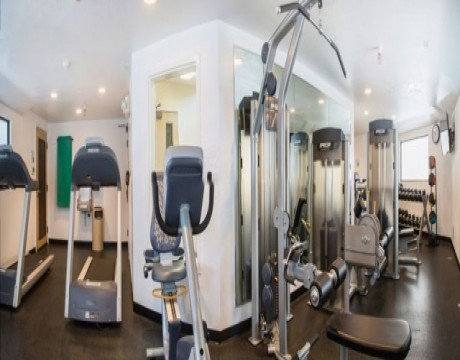 Holiday Inn Express and Suites MH - Fitness Room in Morgan Hill Hotels