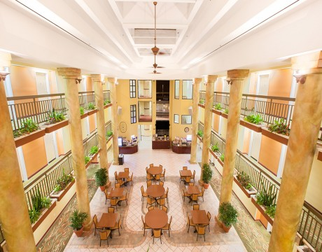 Holiday Inn Express and Suites MH - Atrium