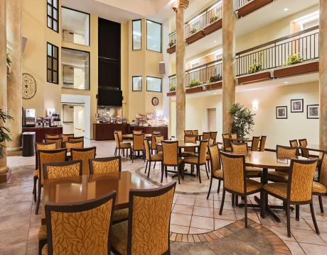 Holiday Inn Express and Suites MH - Breakfast Room