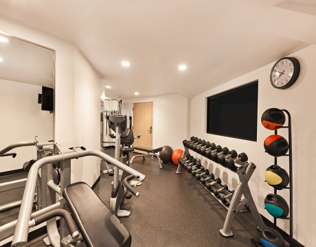 Holiday Inn Express and Suites MH - Fitness Center
