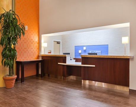 Holiday Inn Express and Suites MH - Front Desk at Morgan Hill Hotel