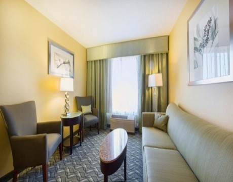 Holiday Inn Express and Suites MH - Junior Suite in Morgan Hill Hotels