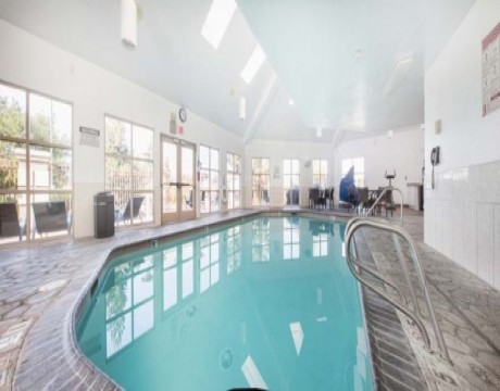 Holiday Inn Express and Suites MH - Indoor Pool in Morgan Hill Hotels